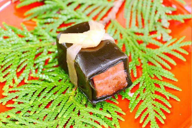 お食い初めの料理イメージ4鮭昆布巻